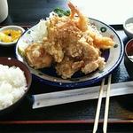 お腹いっぱい)赤坂周辺の平日ランチ