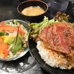【兵庫】思わず笑顔になる♪人気の肉ランチ8選