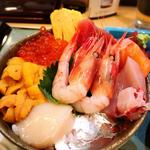 築地で美味しい海鮮丼ランチを味わう!おすすめの店19選