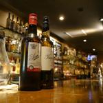 上野で安い価格が魅力のバー!お酒と料理を味わうお店19選