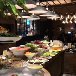 新宿でおすすめの食べ放題ディナー8選!個室のあるお店も