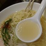 【新宿】美味しい『あっさり系ラーメン』が食べたい!