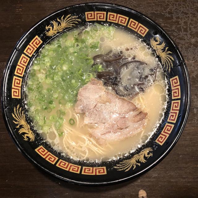 100130326 - 天神駅の近くの近くのラーメン屋 満麺屋 博多豚骨として最高の一品!!