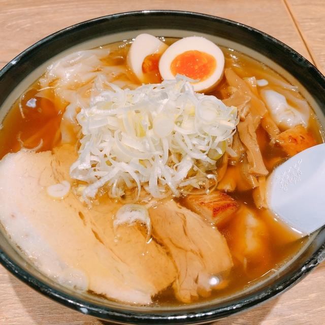 101288405 - ワンタンメンの満月 福岡空港の中で食べログNo.1のラーメン店