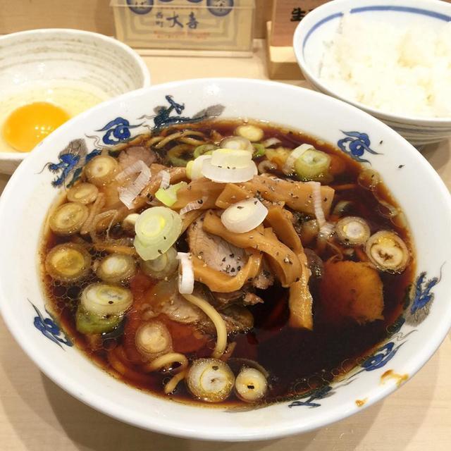 49484910 - 本物の富山ブラック食べて驚き!! 日本一周でラーメンを食べたその衝撃の味とは?