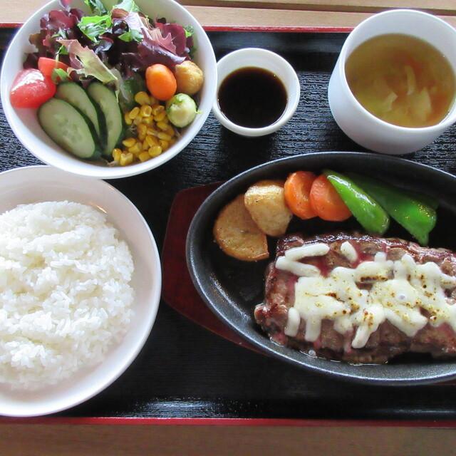 西港明治館 - 三角(ステーキ)の写真(食べログが提供するog:image)