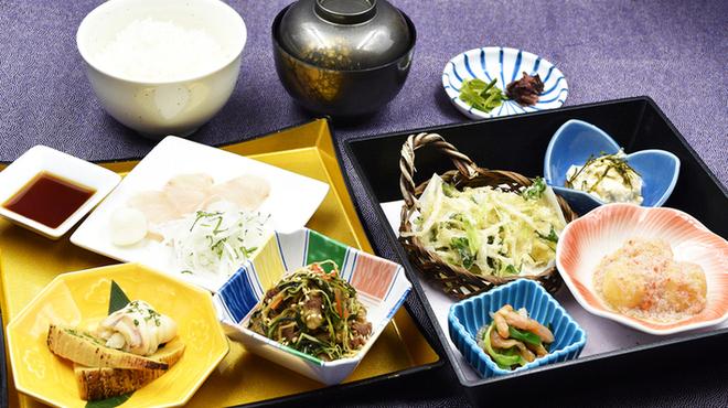 味喰笑 - 料理写真:2月の東山御膳1,450円(税込)料理長おすすめの人気の御膳です。
