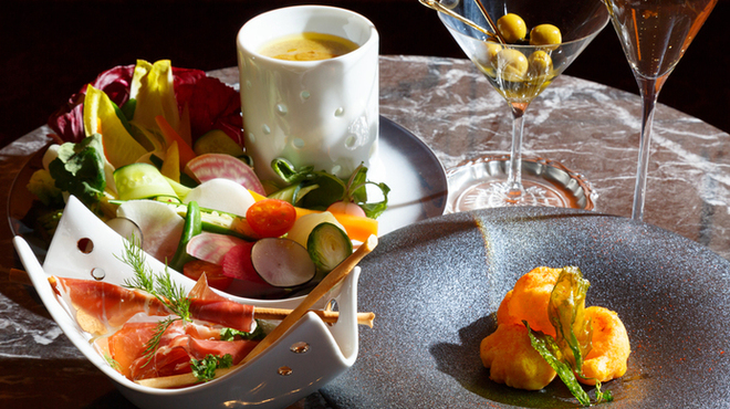 TO BEGIN WITH Champagne&Wine Lounge - 料理写真: