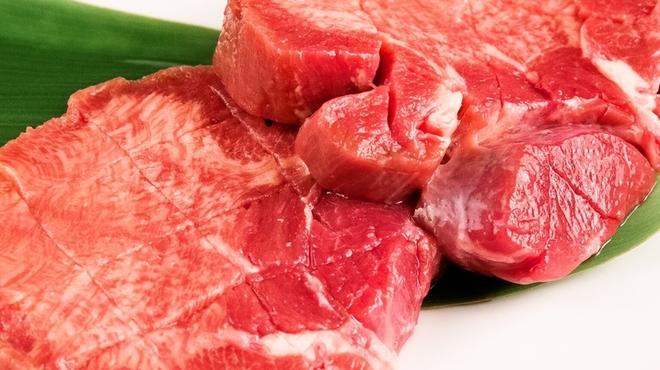 焼肉食べ放題専門店 関舌 - 料理写真:厚切り牛タン