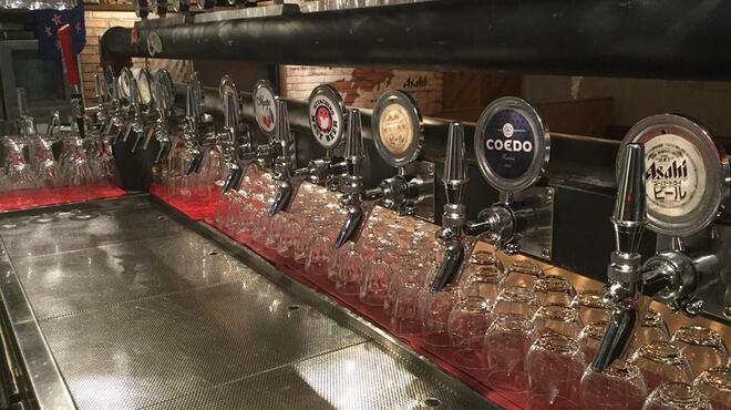ビアバルNAGAOKAYA - 内観写真:常時7種のビールと2種のローテーションビール