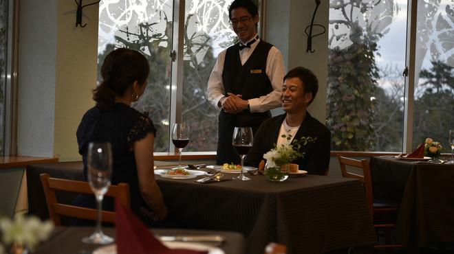イタリア料理 リストランテ フィッシュボーン - 内観写真:お客様に満足していただける空間づくりを♪
