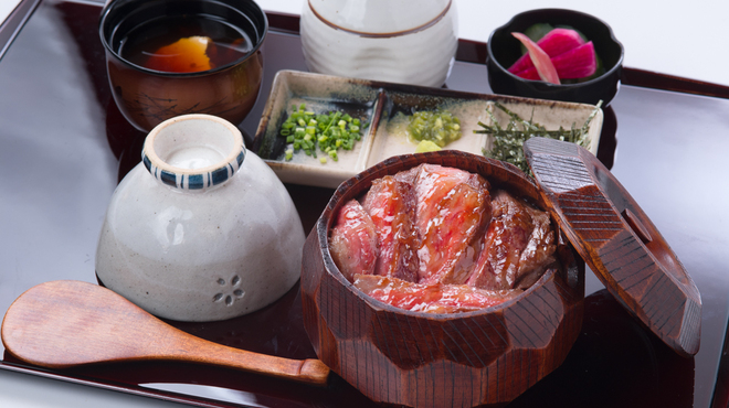 ひすい焼きステーキ八傳 - メイン写真: