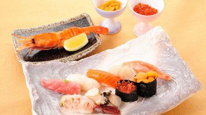 寿司処 旬 - 料理写真:おたるコース(ウニかいくらの選べる小鉢付)¥3,850