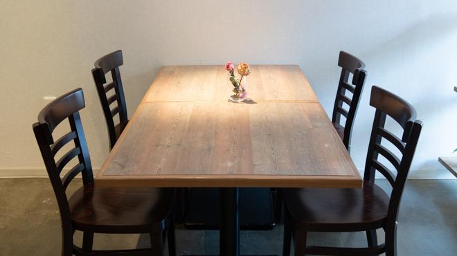 Linio - メイン写真:テーブル_1-4名