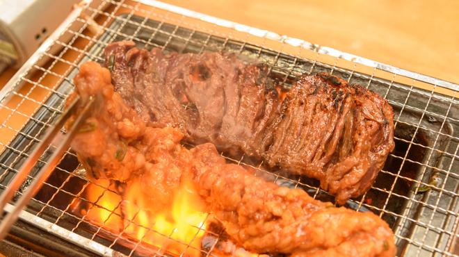 松阪味噌焼 ホルモン酒場 - メイン写真:焼肉