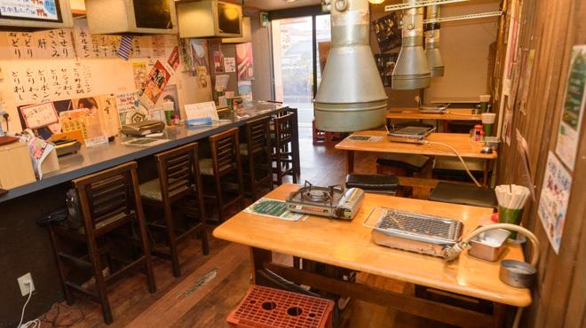 松阪味噌焼 ホルモン酒場 - メイン写真:店内