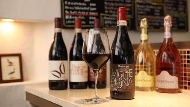 レストラン デルマール - メイン写真:グラスとボトル