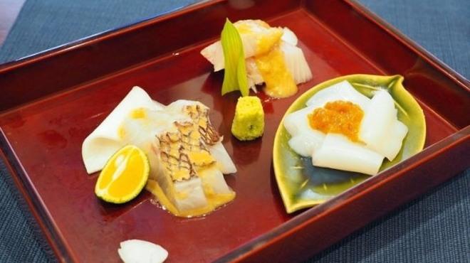 東香福如 - 料理写真:お造り3種