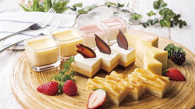 CORAL TABLE - 料理写真:春のデザート
