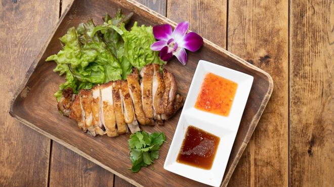 アジアンバル glow - メイン写真:チキンステーキ