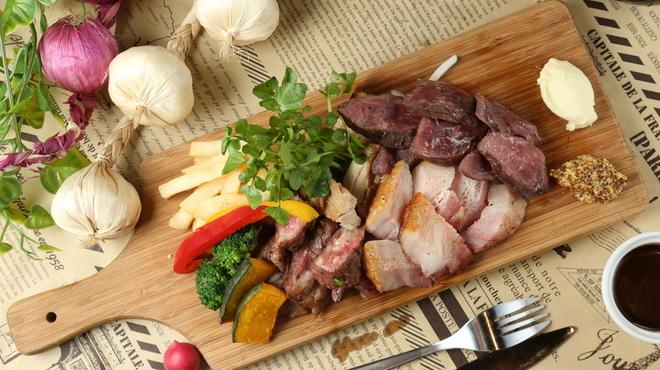 完全個室肉バル 肉の王様 - メイン写真: