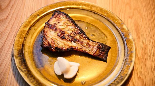 炭とワインと日本酒 イルフェソワフ - メイン写真:魚料理