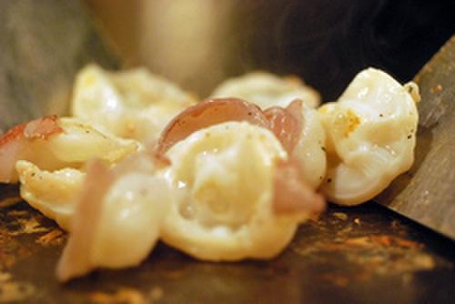 OSAKA きっちん - 料理写真:新鮮な海の幸は、鉄板で調理することで美味しく・・