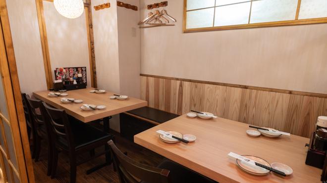 個室居酒屋 酒蔵 季 - メイン写真:個室テーブルB