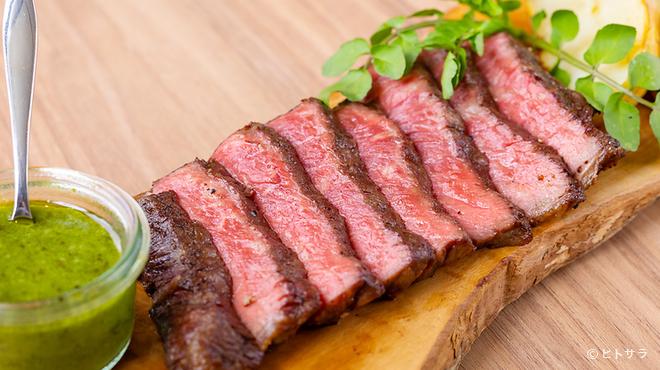 grill&deli LAVE - 料理写真:色とりどりのデリ、豪快なグリル料理、BBQが楽しめる