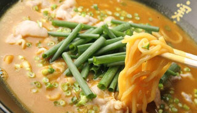 麺酒房 実之和 - 料理写真:【元祖】かれー麺!旨みたっぷりの超人気★やみつきの味