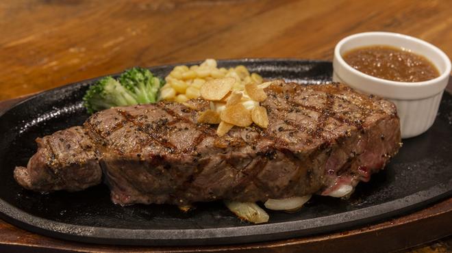 ストロングスタイル - 料理写真:サーロインステーキ