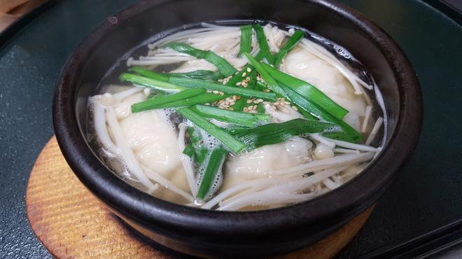 金の穂銀の水 - 料理写真:お茶漬出汁で炊いた和風水餃子 572円
