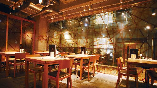 もつ鍋 慶州 - 内観写真:店内写真1