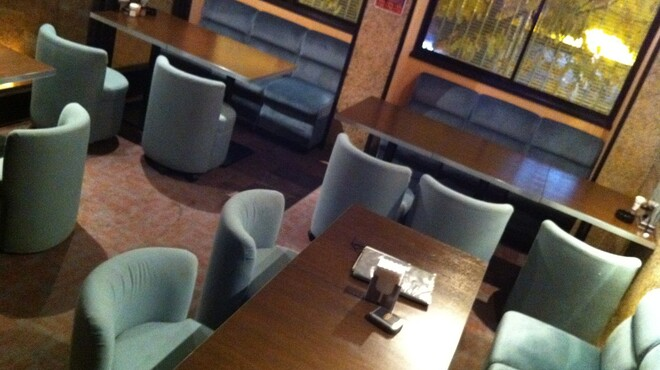ミーフバー - 内観写真:2階ダイニングエリア1:大人数のパーティーに使われています!