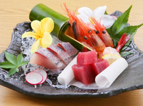 汐の風 - 料理写真:毎日市場で買い付けた、季節の旬の鮮魚をリーズナブルに!