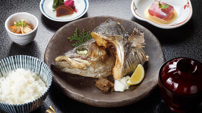 赤坂とゝや魚新 - メイン写真: