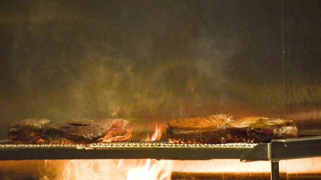 バームハウス サン - 料理写真:鴨は炭火でじっくりと。