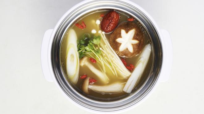 NANI 回転小火鍋 - 料理写真:きのこ スープ