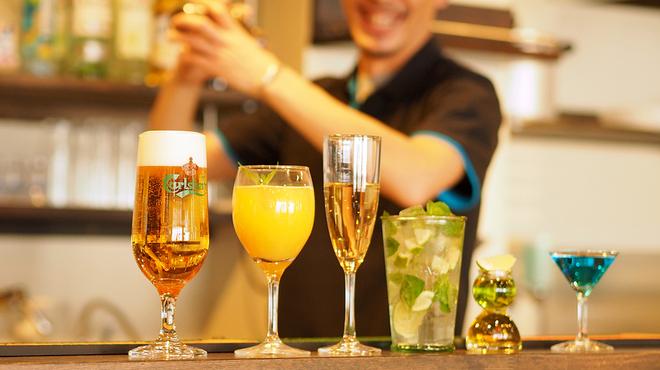 ダーツカフェ ウノ - ドリンク写真:ハイボール 480円(税別) 生ビール 580円(税別) その他、カクテル、ワイン、ウイスキー、焼酎、ソフトドリンク 380円~