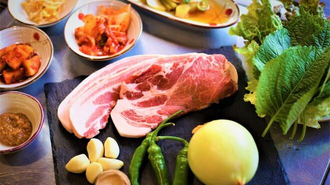 韓国焼肉専門店 ヤキバンザイ - メイン写真: