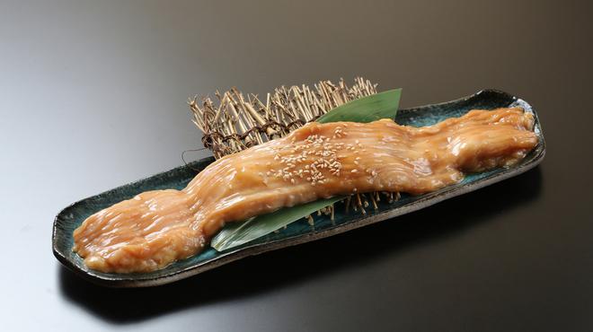 焼肉ホルモン酒場 大嵐 - 料理写真:30cm一夜漬ホルモン 500円(税別)