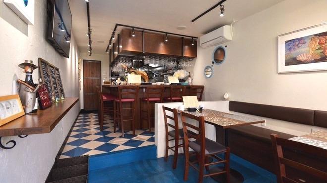 泡のお酒と貝料理のお店 泡貝 - メイン写真: