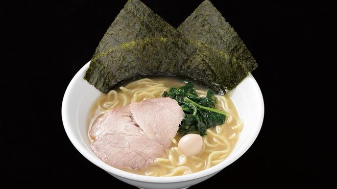 麺侍 誠 - 料理写真:塩とんこつラーメン