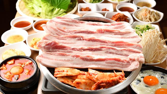 韓国トン一 - メイン写真:サムギョプサルセット