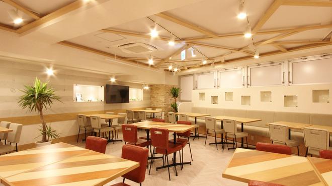 チーズダイニング STORIA 池袋西口店 (ストーリア)