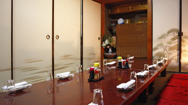 たこ安 - 内観写真:自慢は大人数はもちろん少人数でも広々とした完全個室をご用意させていただきます。