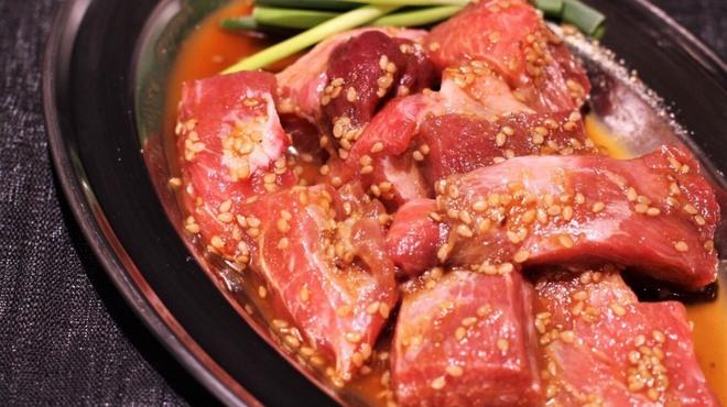 鮪のシマハラ - 料理写真:【焼肉】本マグロのほほ肉ブツ切り