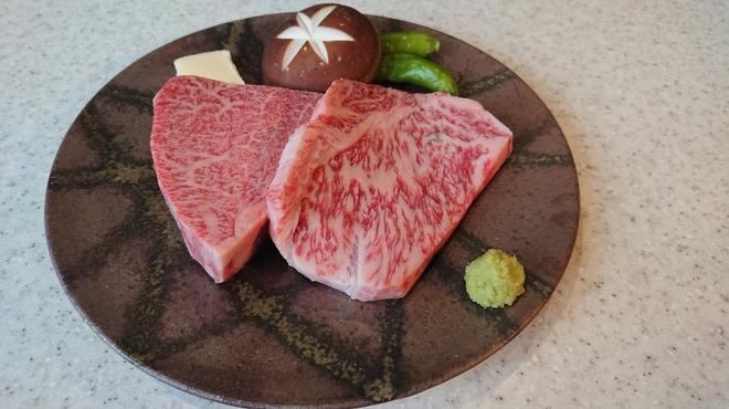 焼肉ひび屋 - メイン写真: