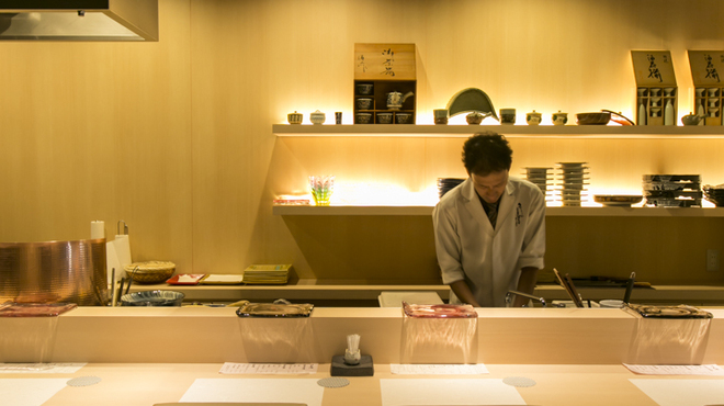 穴子印 江坂海鮮天ぷら おーうえすと - メイン写真: