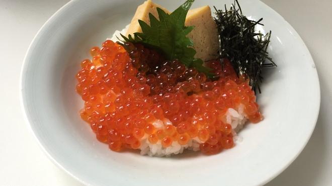 越前蟹の坊 - 料理写真:イクラ丼(小)